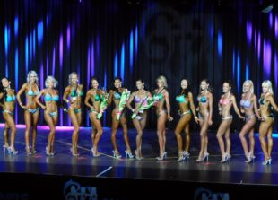 ifbb pro, coach, australia, vosky, zoe yaworsky, competition coach, fat loss coach